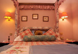 Tarn Hows, Four Poster Bedroom.