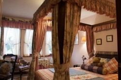 Tarn Hows, Four Poster Bedroom